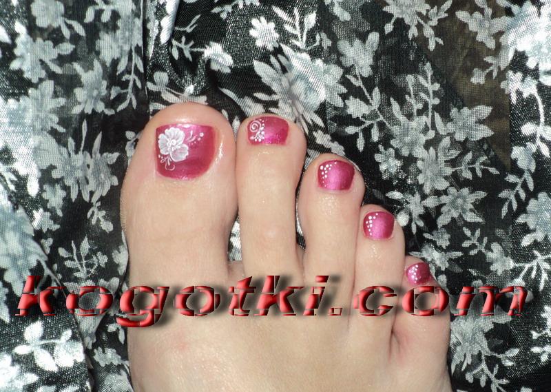 ногти на ногах рисунки на ногтях